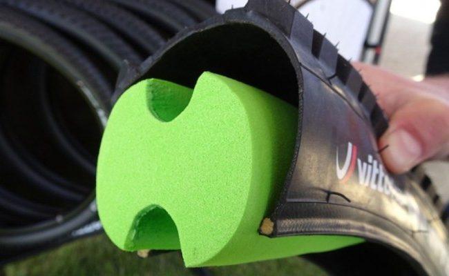 Relleno de espuma en las llantas: el nuevo sistema antipinchazos de Vittoria